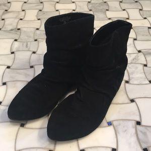 Nine West leather flat bootie